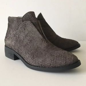Eileen Fisher Tuck Ankle Bootie 7.5